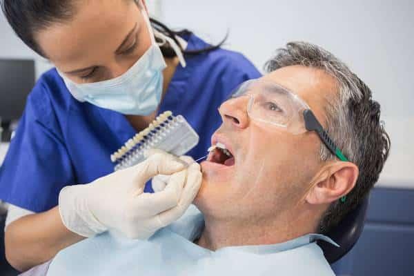 Quem pode fazer o clareamento dental?